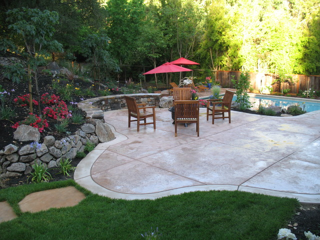Seat Wall, Patio, Fire Pit traditional landscape