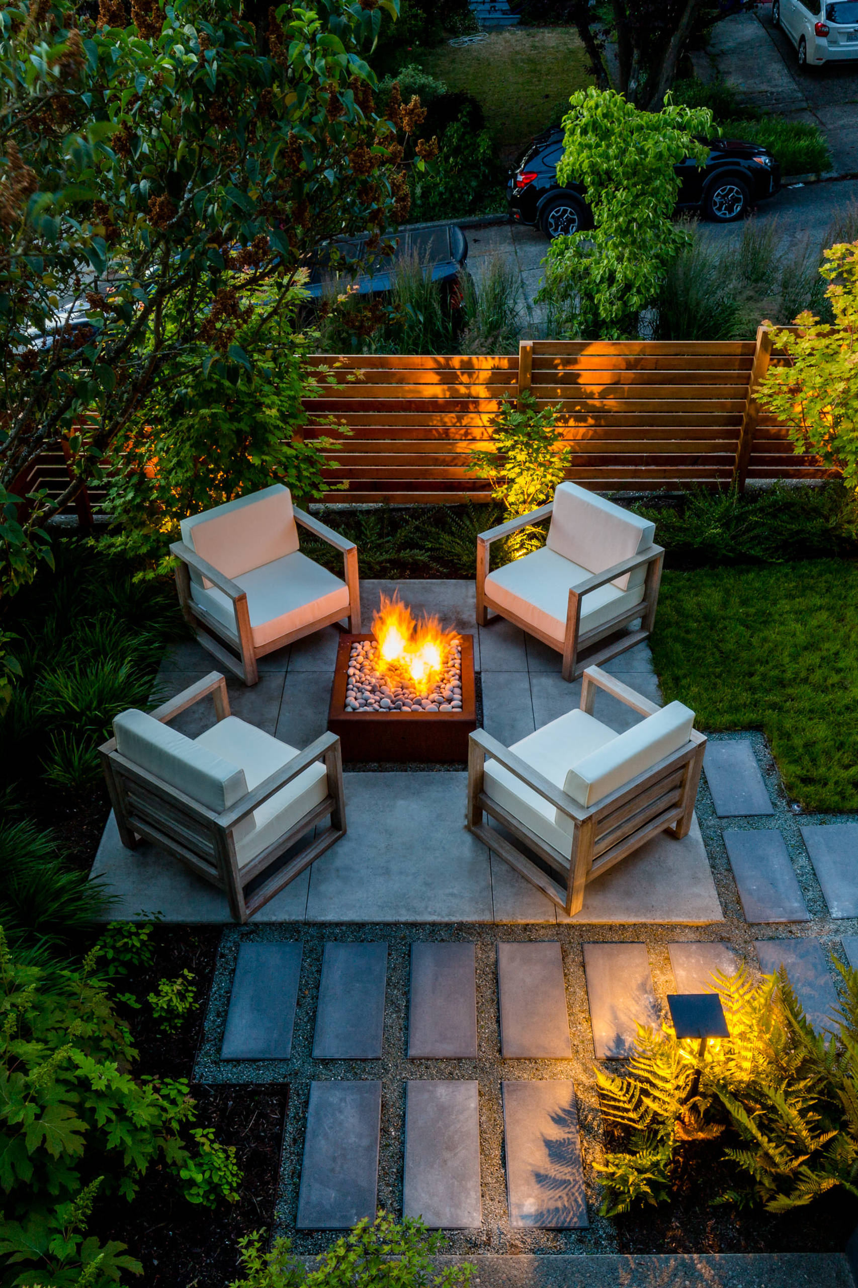 75 Beautiful Landscaping With A Fire Pit Pictures Ideas April 2021 Houzz