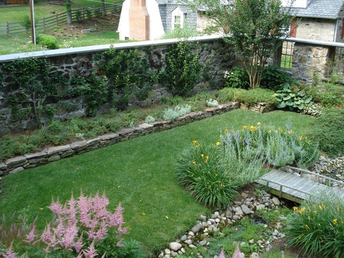Secret gardens your own outdoor sanctuary tms architects for Rock wall garden designs