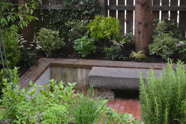 Shady summer courtyard for Shady courtyard garden design