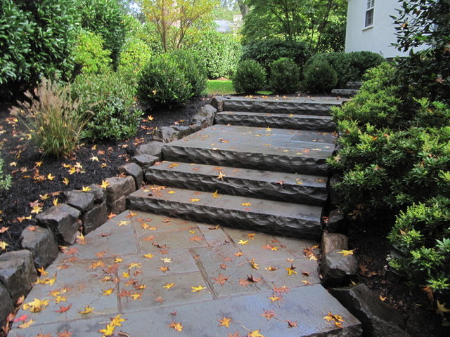 Short Hills, NJ – Custom Bluestone Walkway & Steps traditional-landscape