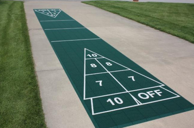Beau Shuffleboard Courts Traditional Landscape