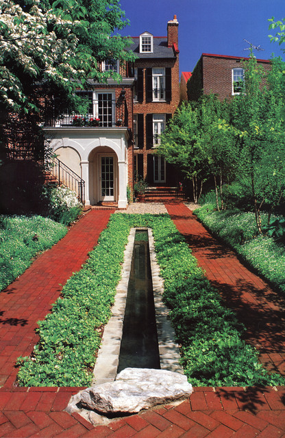 Traditional Landscape by Samuel H. Williamson Associates