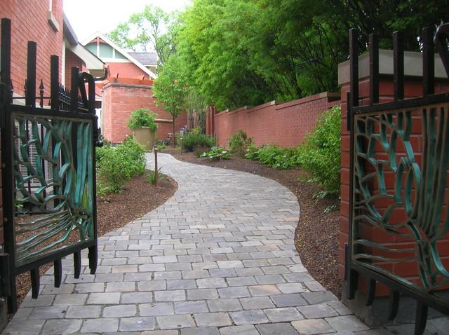 Side Yard traditional-landscape