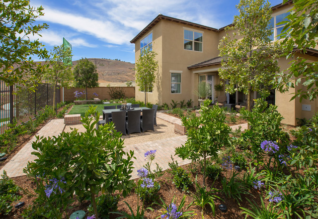 Sienna plan at meritage homes at sendero rancho mission for Contemporary garden houses