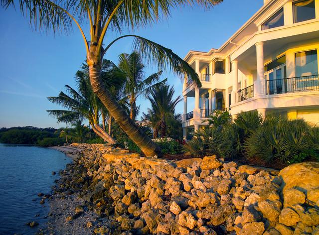 Siesta Key Oasis of Entertainment tropical-landscape