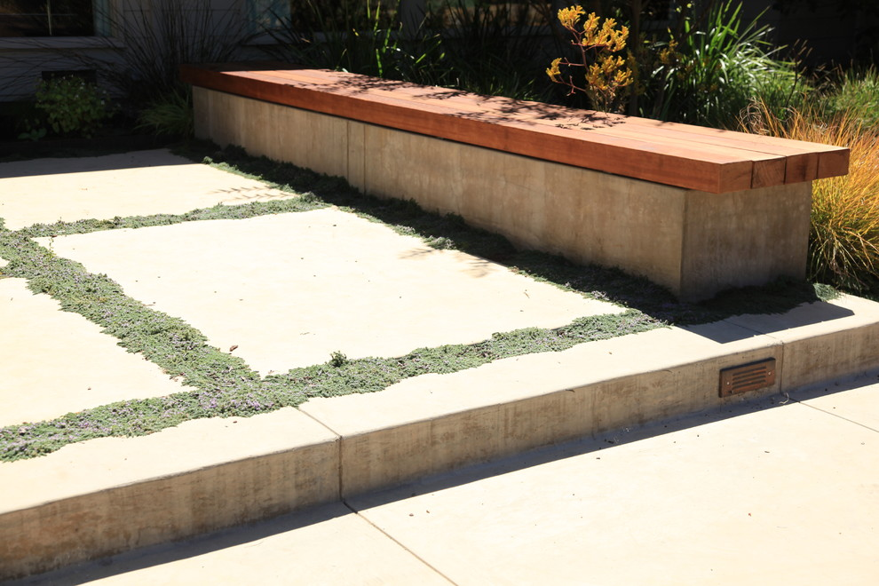 Inspiration for a contemporary landscaping in San Francisco.