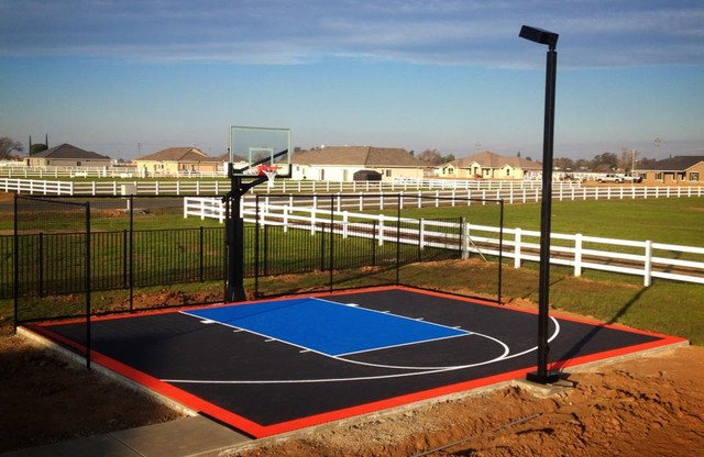 Small backyard basketball court in southern callfornia for Small basketball court