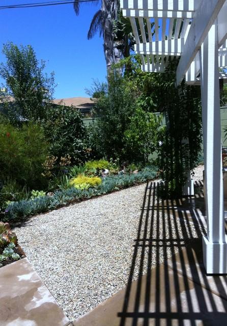 Small costa mesa condo back yard for Mesa landscape architects