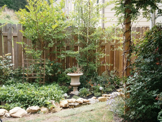 small garden nook traditional landscape atlanta