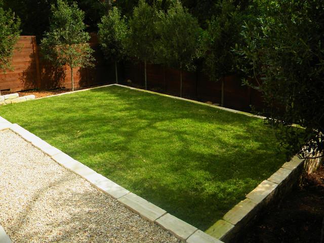Small, Minimal Backyard Modern Landscape