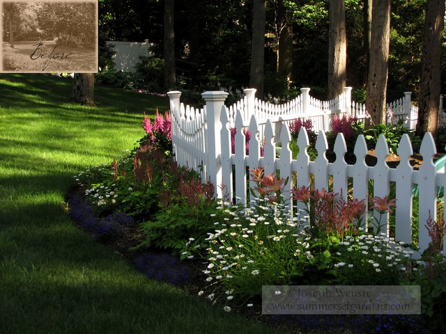 Small Perennial Bed Traditional Landscape Newark