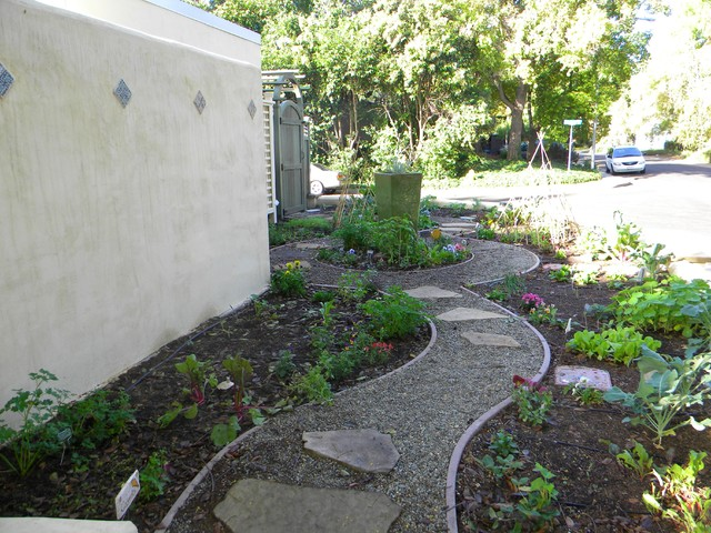 Small spaces Eclectic Landscape sacramento by