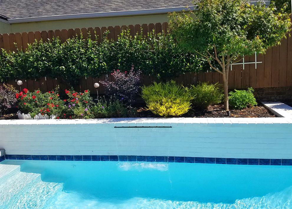 Small Yard Luxury - Modern - Landscape - Sacramento - by ...
