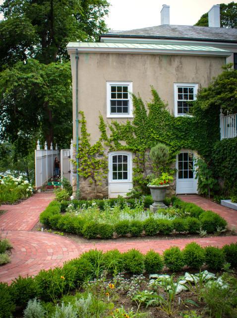 Garden Victorian Boston, Smith Lawn And Garden