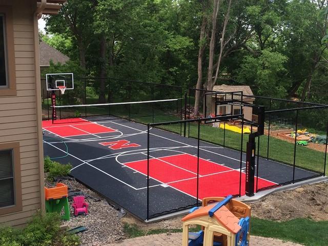 Snapsports Backyard Multi Game Court 39 Huskers 39 Theme