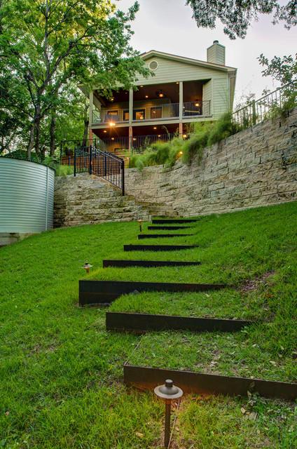 Soco staging outdoor for En garden designs
