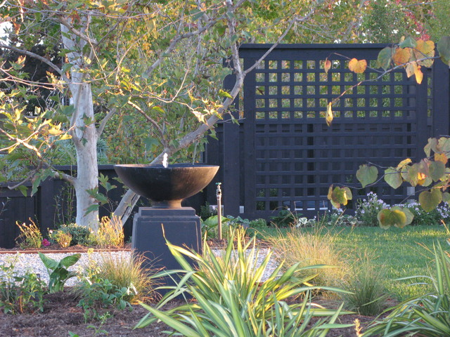 Design ideas for an eclectic water fountain landscape in San Diego.