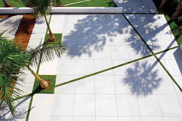 Solstice House Modern Landscape Tampa by Halflants Pichette