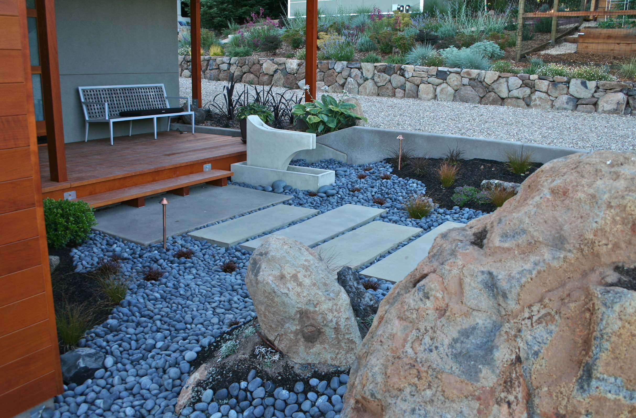 75 Beautiful Contemporary River Rock Landscaping Pictures Ideas March 2021 Houzz
