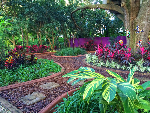 Sophisticated south of the border transformation where color is king mediterranean garden - Mediterranean garden plants colors and scents ...