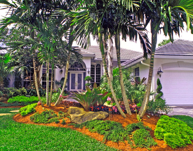 South florida landscaping tropical landscape miami for Florida backyard landscaping ideas