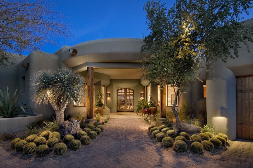 Design ideas for a southwestern full sun front yard landscaping in Phoenix.