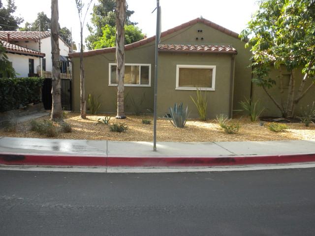 Spanish Bungalow Southwestern Landscape Los Angeles