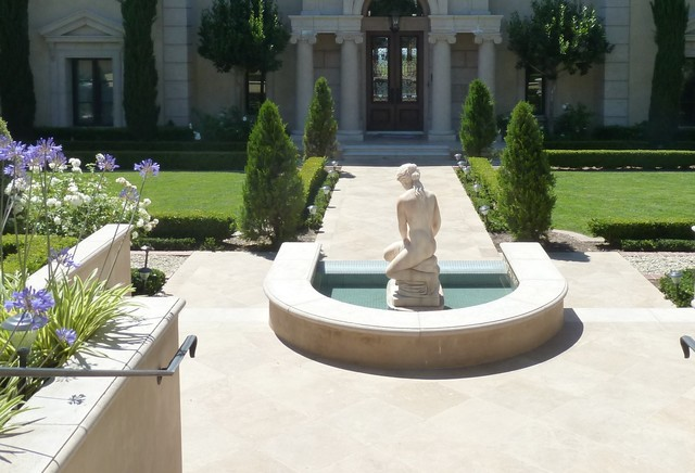 Spas & Fountains traditional-landscape