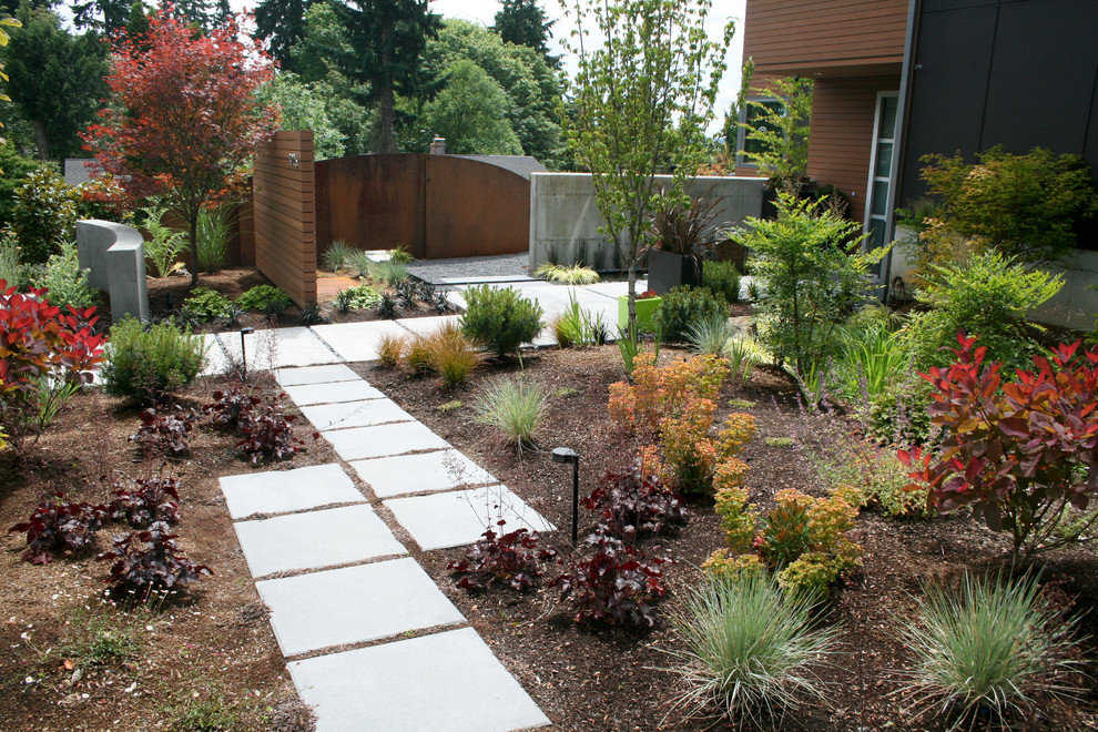 Design ideas for a contemporary landscaping in Seattle.