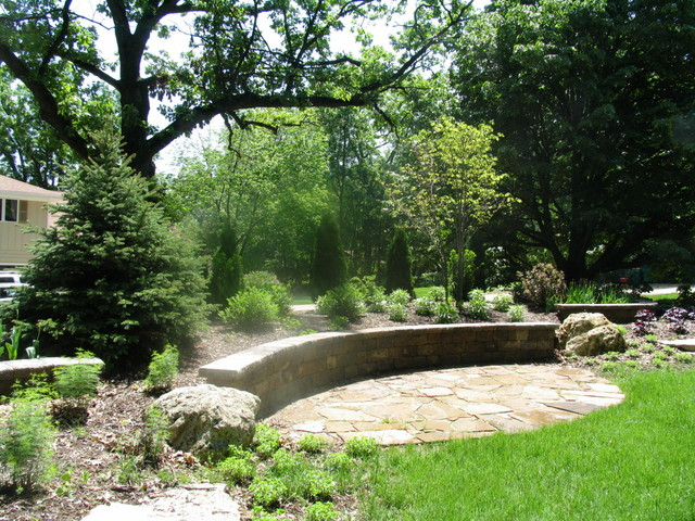 St charles screening berm traditional landscape for Landscaping rocks nelson