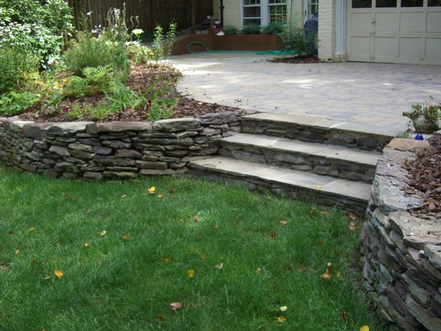 Stacked Stone Wall And Steps American Traditional Garden Seattle By Green Spaces Landscaping