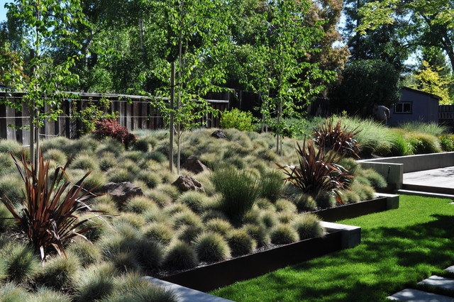 Steel and concrete for Houzz landscape architects