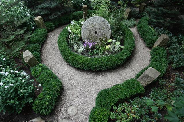 Stone Arch Landscape By Miriams River House Designs LLC