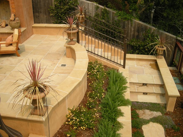 Stucco Retaining Wall and Stairs Mediterranean