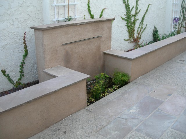 Stucco water wall mediterranean landscape san for Stucco garden wall designs