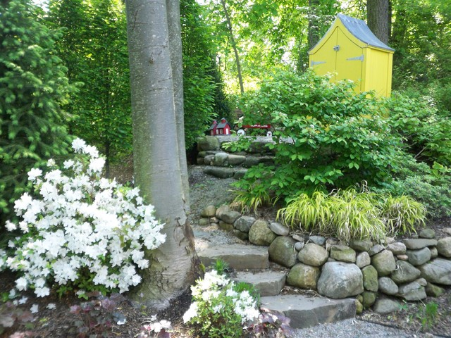 Suburban woodland garden traditional landscape other for Woodland garden designs