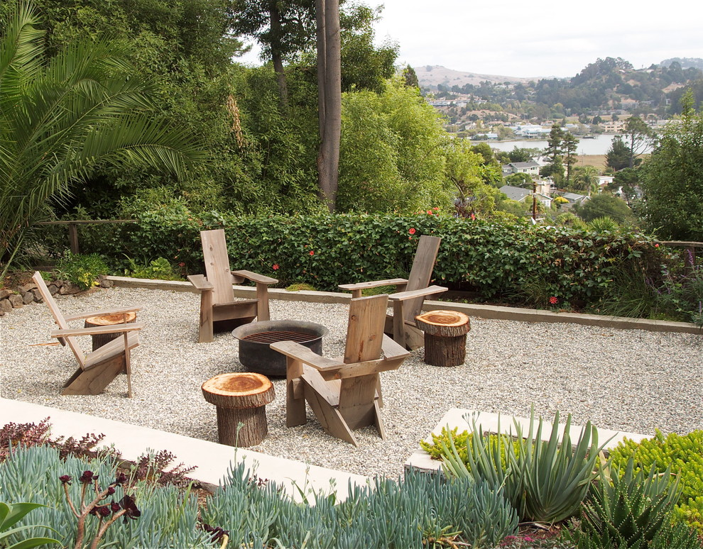 Photo of an eclectic landscaping in San Francisco with a fire pit.