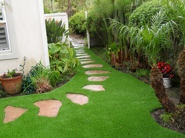 Synthetic grass grids pavers stepping stones for Garden design ideas artificial grass