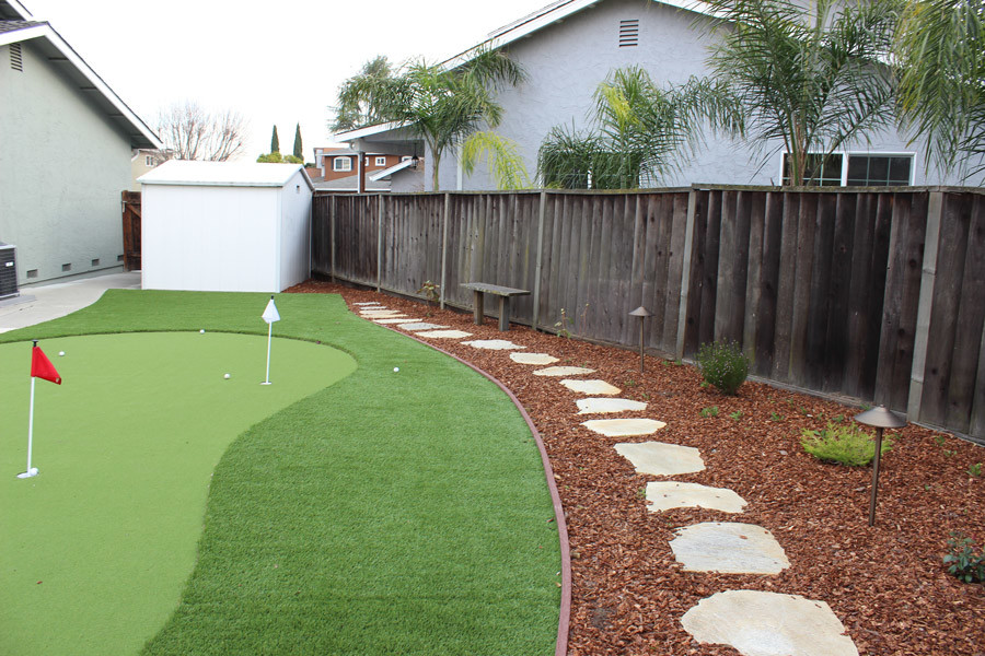 How to Build a Mini-Golf Course in Your Backyard
