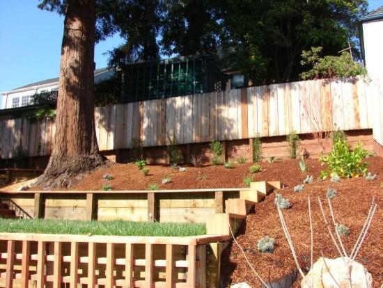 Terraced backyard hillside for Terraced yard ideas