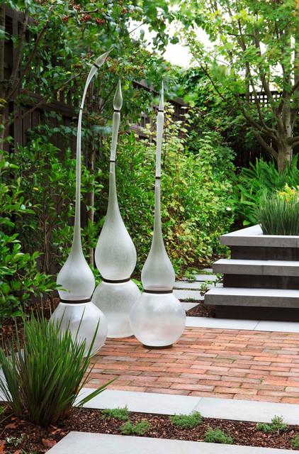 The Emerging Garden contemporary-landscape