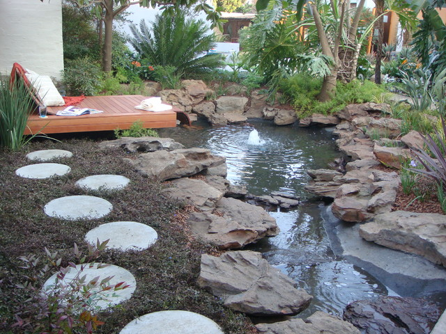 The Friendly Plant - Landscape design and installation tropical-landscape