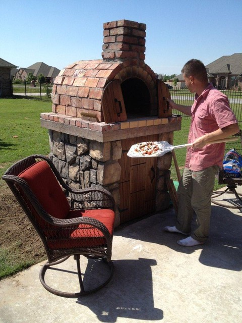 Merveilleux The Moon Family DIY Wood Fired Pizza Oven In Oklahoma By BrickWood Ovens  Mediterranean Landscape