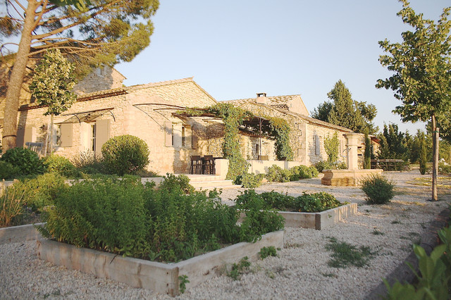 The provence home of chantal and harry mediterranean for Provence homes