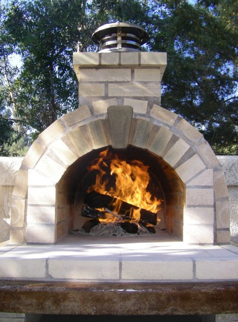 The Schlentz Family Diy Wood Fired Brick Pizza Oven By Brickwood Ovens Modern Landscape
