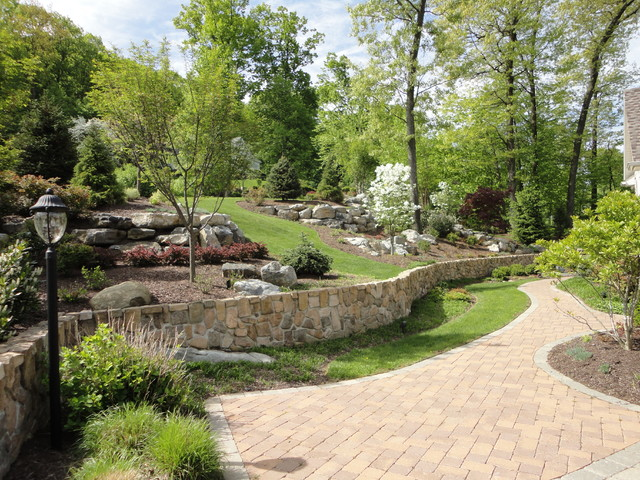The Welcoming Woodland Garden traditional-landscape
