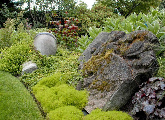 Theatrical gardens eclectic-landscape