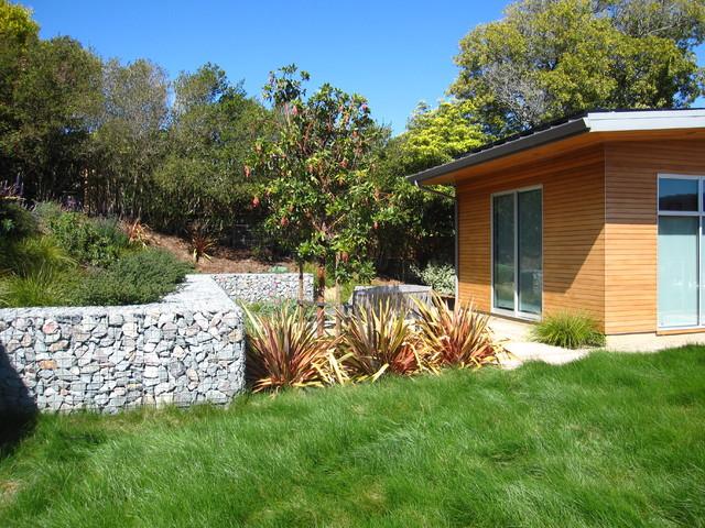Tiburon Bay House modern-landscape