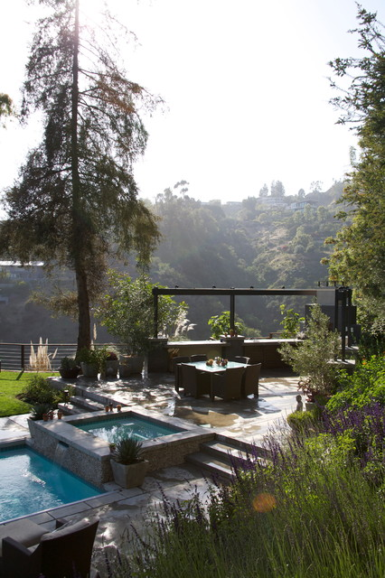 Tigertail Road, Brentwood, California contemporary-landscape